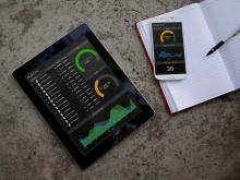 Illustration af at dit salgs-team kan få salgstal på tablet og mobil.